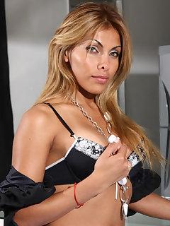 Tania 2
