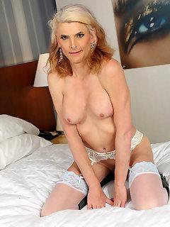 Micha Angela