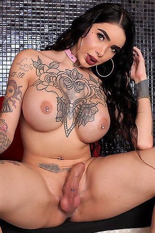 Katy Leon