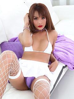 Laura Sky