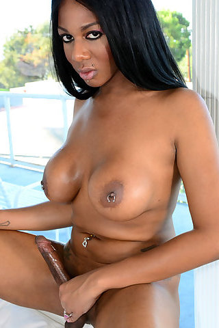 Shemale porn star paris