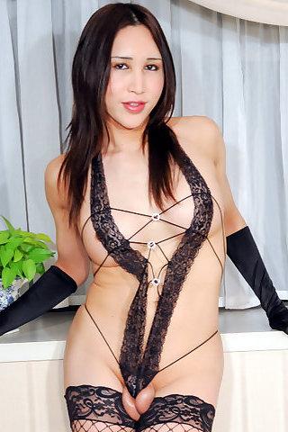 Shizuka Momose