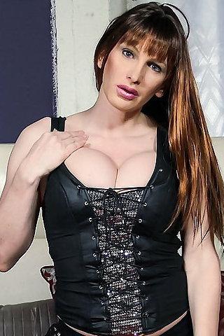 Sexy Nude Pics Of Daphne Oz