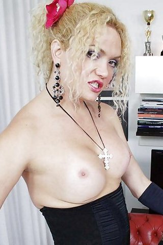blonde brazilian shemale bianca - Bianca Heibiny