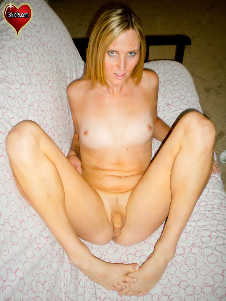 Blonde Shemale Plays With A Dildo Photo 7