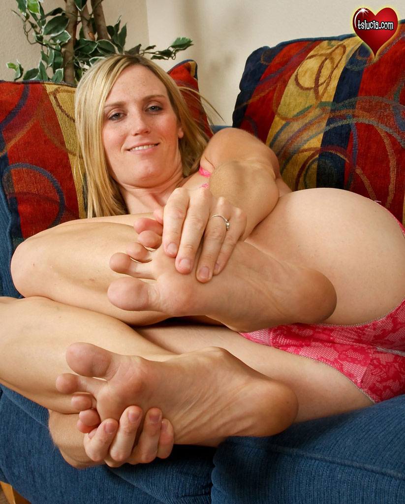 Shemale foot fetish