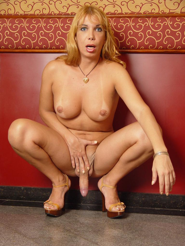 Tinygirlz nude in public