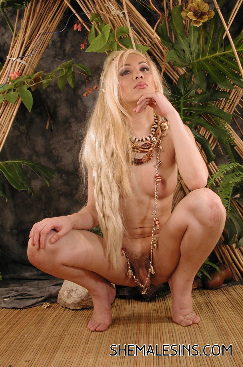 posing Blond shemales