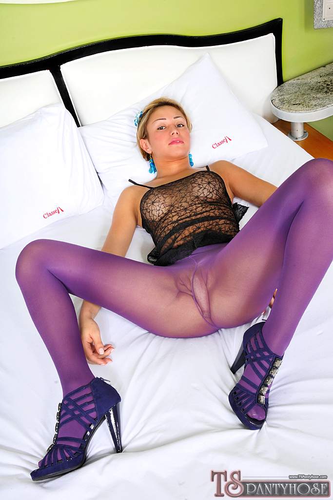 Transexuals cumming in pantyhose