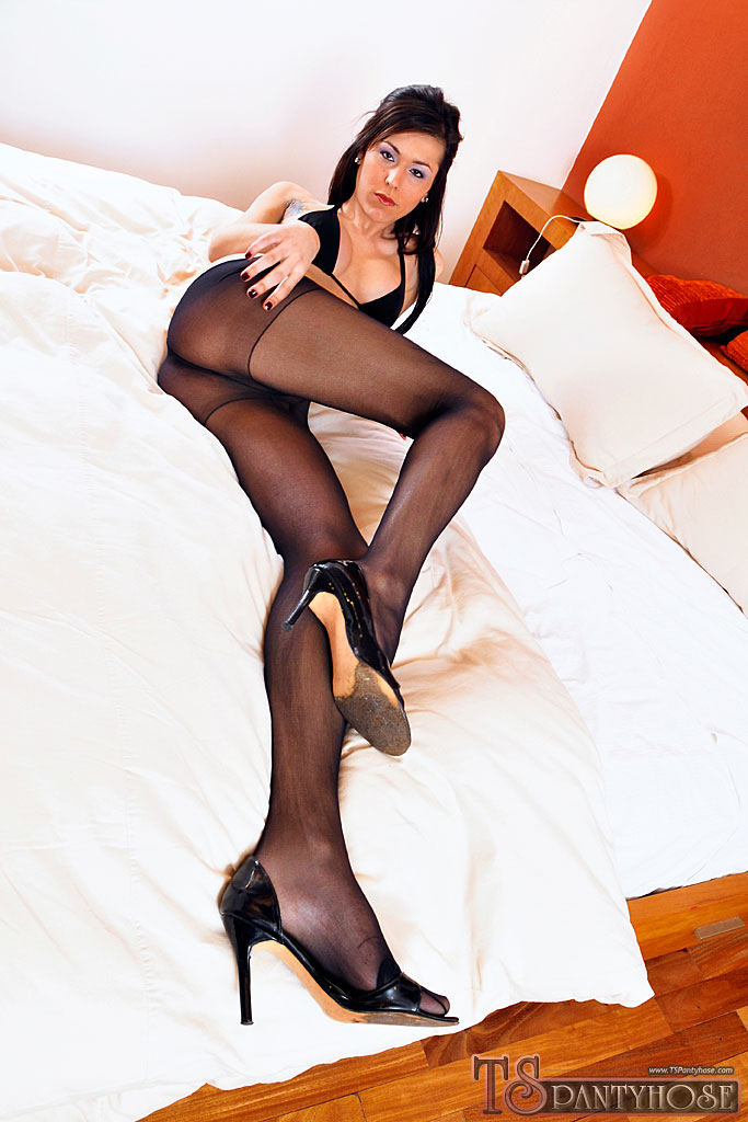 Opinion In her hot pantyhose fucks cock sorry, that