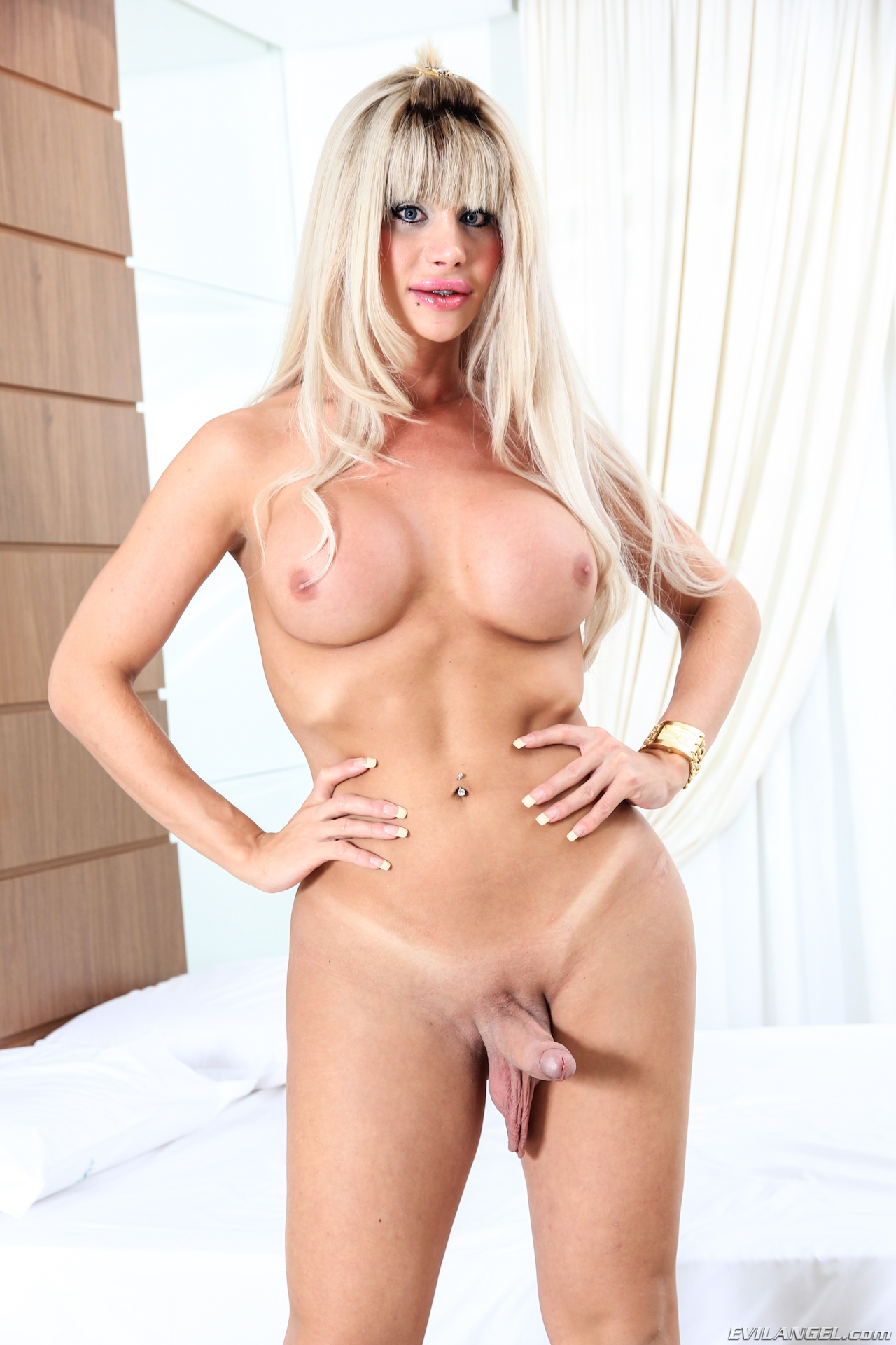 Fucks sexy milf dallas diamondz 6
