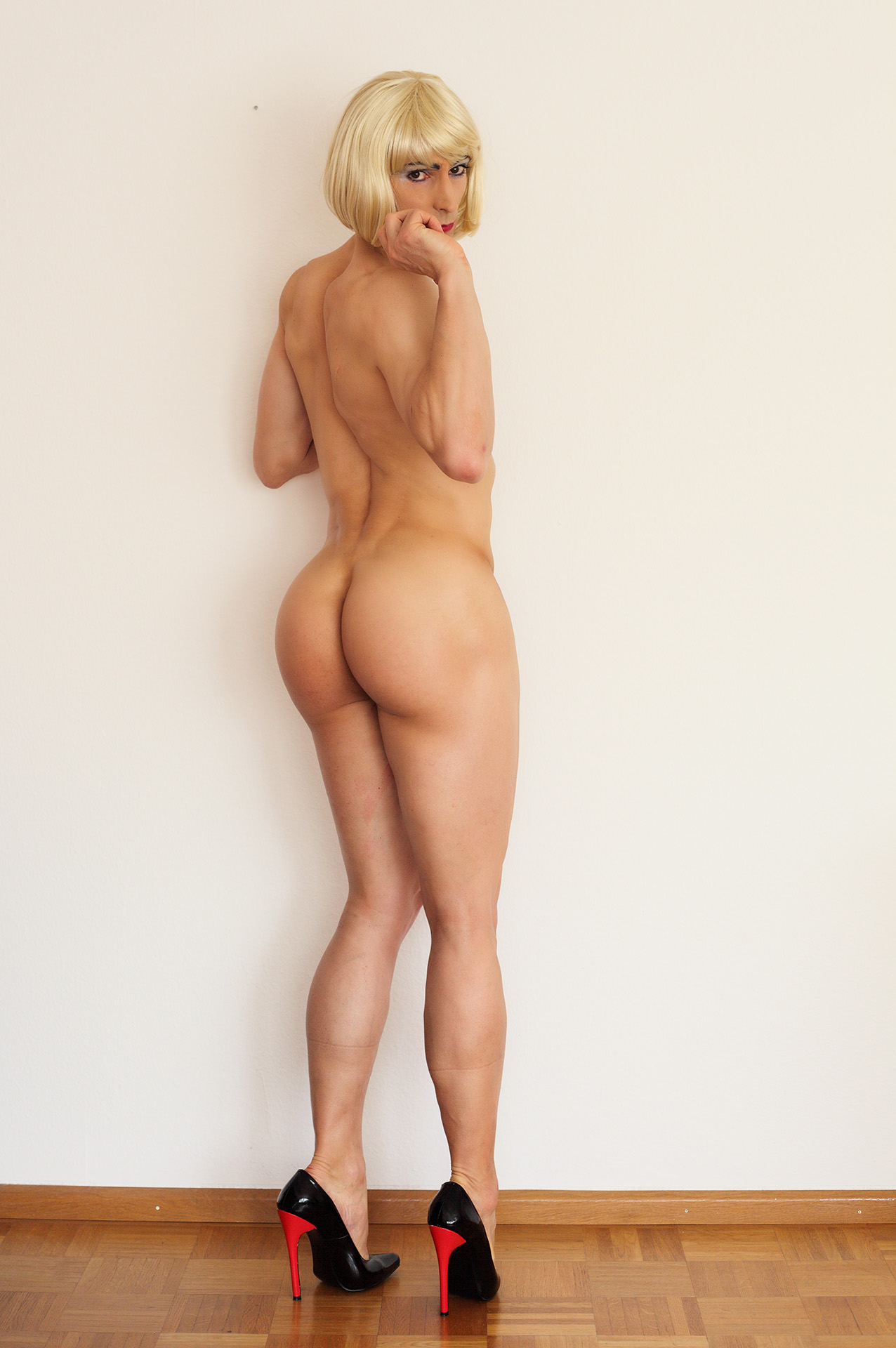 panties outdoors on knees