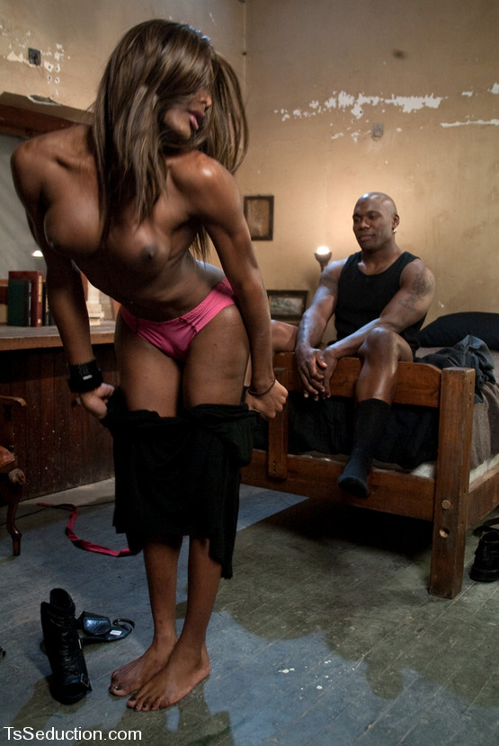 black mistress big boobs - Black Ts Mistress Amyiaa dominates and ass fucks hot male