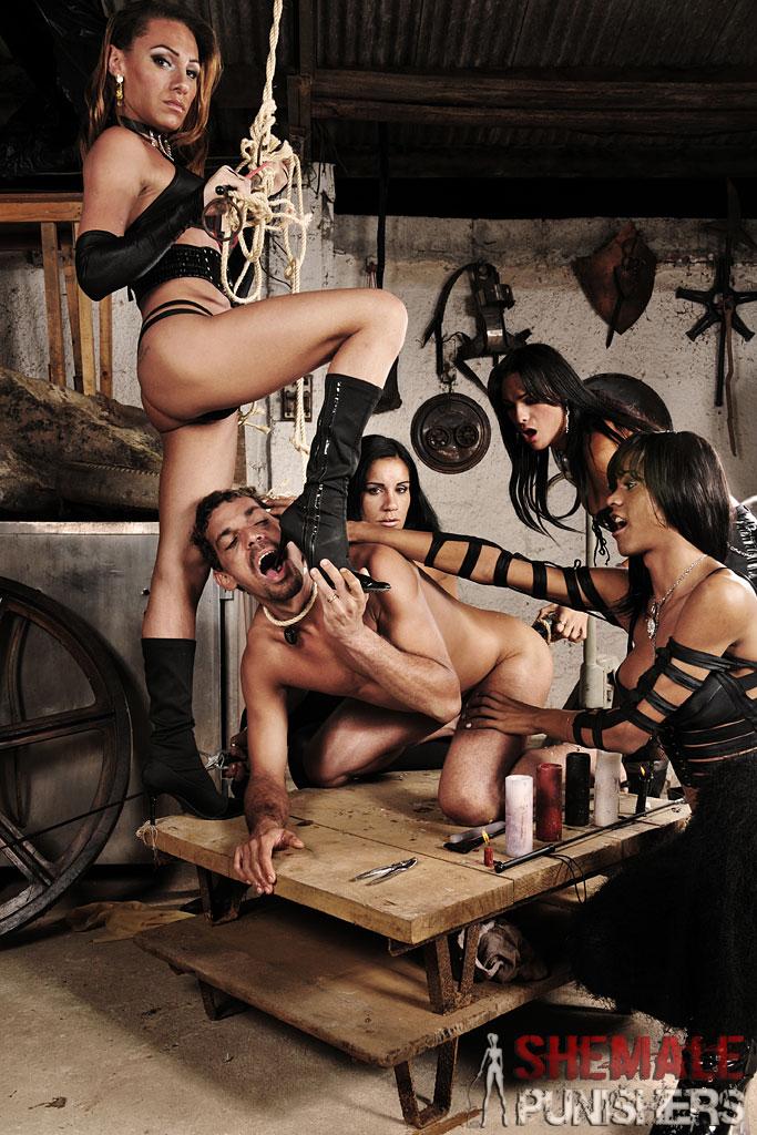 velikaya-erotika-glumyatsya-nad-transom
