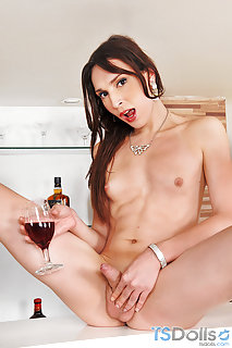 Drunk Shemale Porn - Drunk Shemale and Tranny Mobile Porn Pictures and Galleries ...
