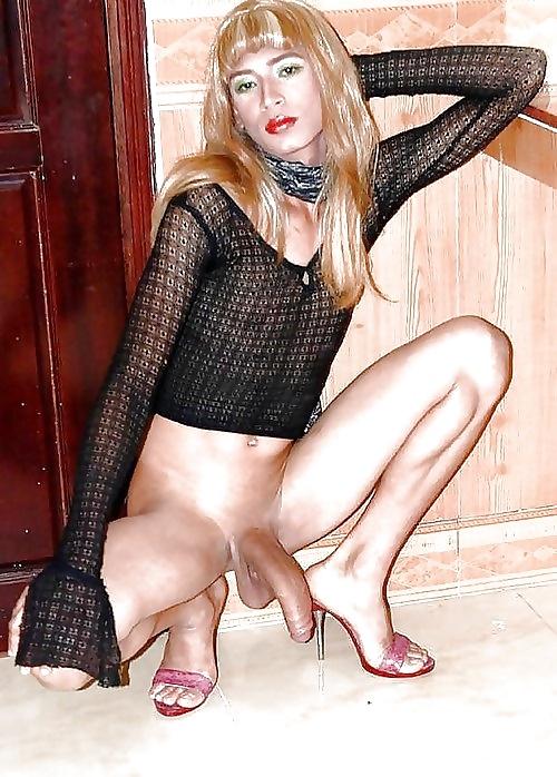 Photo model of erotic blond beauty