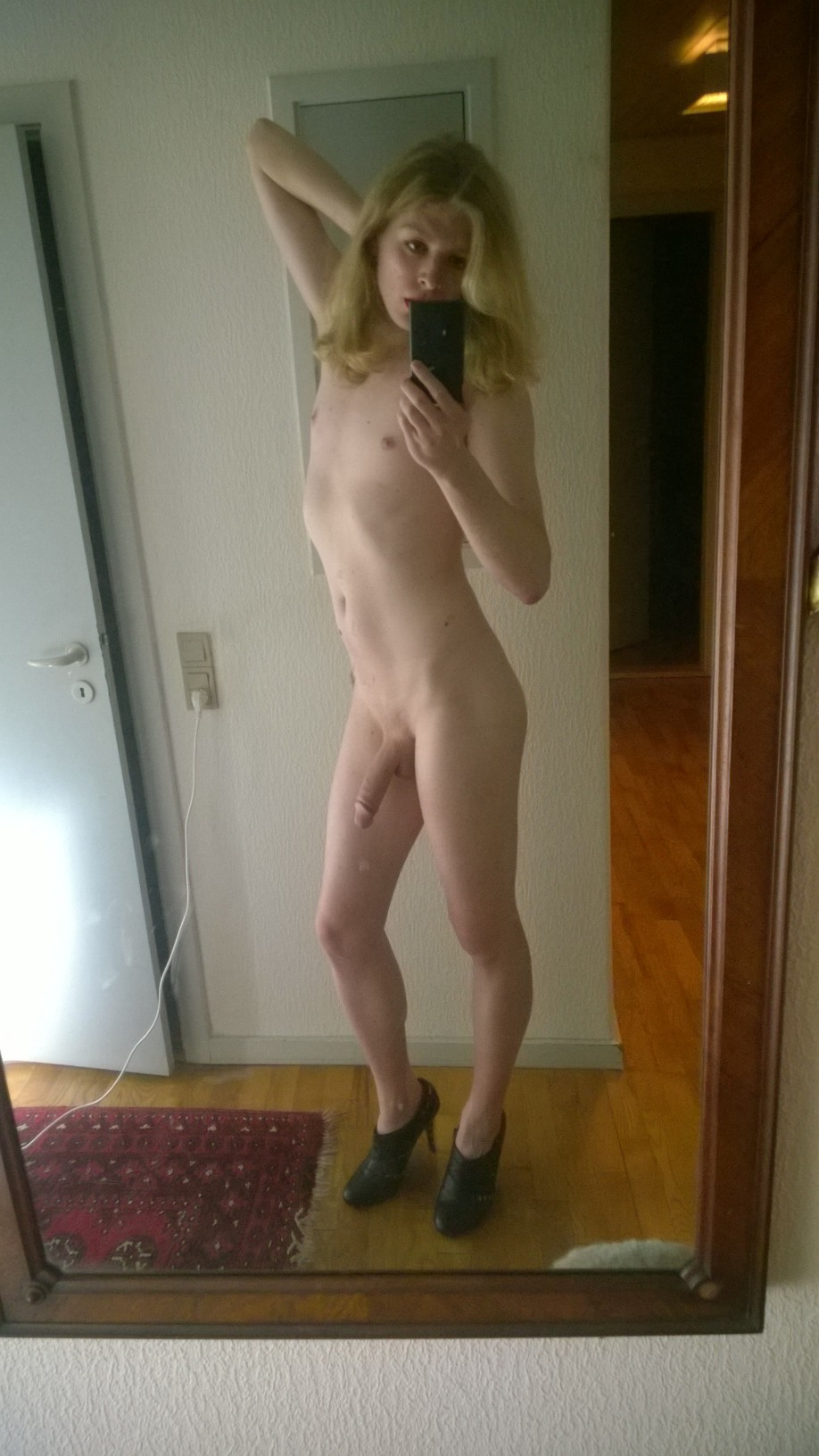 Amateur tranny posing for her first shoot 8