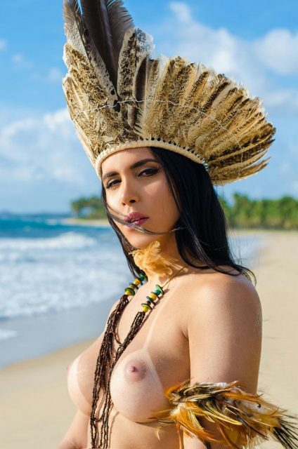 Perola Martinez Índia travesti dotada - Só Travestis