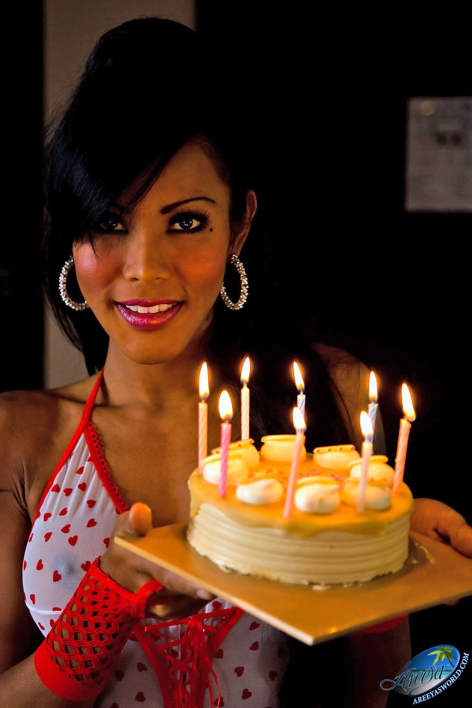 areeya birthday Shemale
