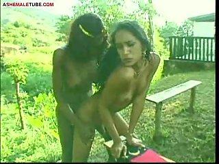 Two Chaturbate girlslu Chaturbatehave outdoor sex