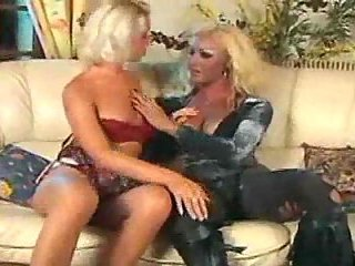 Tranny in lingerie eats a girl