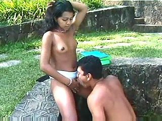 Seductive Latina Gets Screwed & Cummed Outdoor