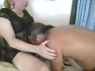 Guy & Crossdresser Mutual Condom Dongs Sucking