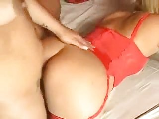 Impassioned Shemale Pleases A Whore