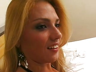 Latina macho screws tranny hot