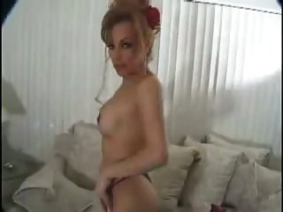 Selfsatisfaction from a titty tranny