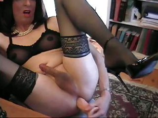 Donna Queen Is A Dirty Slut
