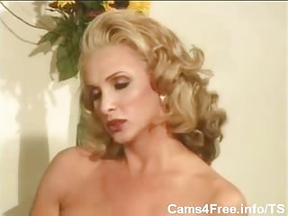 Vintage blonde TS sucked by randy girl