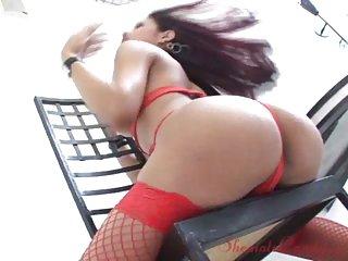 Alana Ferreira in sexy lingerie solo