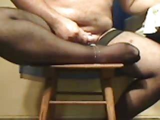Amateur cumshot on feet