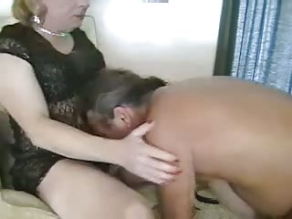 Hot blowjob from nasty cd