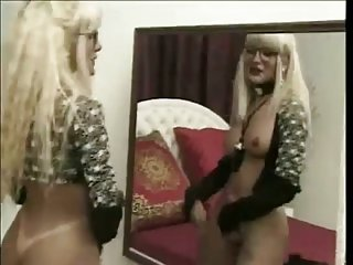 Stud banging super sexy blonde tranny