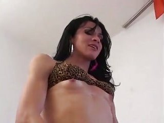 Tall Tbabe is hot in action