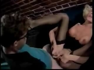Vintage tranny and guy sucking each other