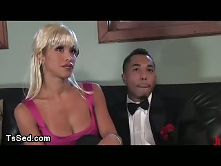Black guy gets deep throat from tranny