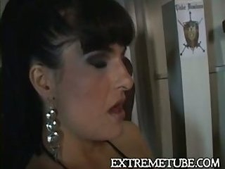 This tranny likes to suck