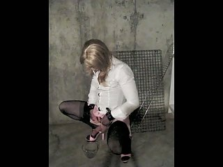 Sissy drinking piss