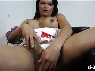 Filthy shemale Lorraine Baldez jacks off