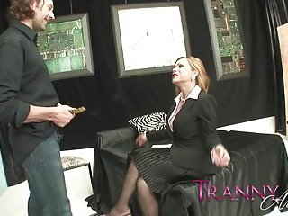 Hardcore penetration from a TS offise girl