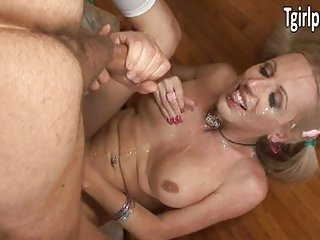 TS Juliette Stray gets cum in her own face