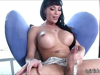 Seductive tgirl Mia Isabella puts up a nice masturbation show until cums
