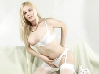 Bisexual Webcam girlwith two twinks
