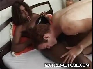 Deep anal from a black tranny