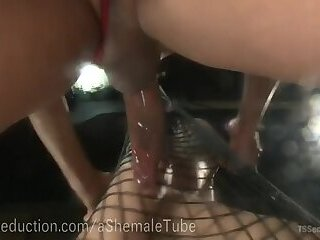 Bounty Hunter Yasmin Lee Fucks Her Prey