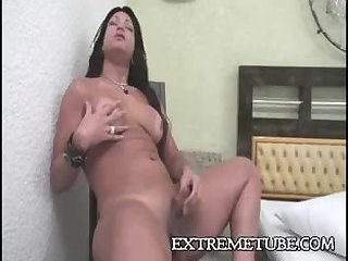 Mutual fucking with a longhaired tranny