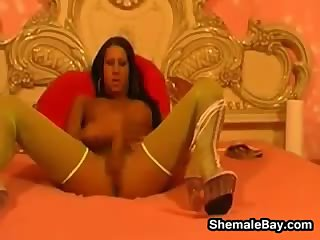 Sexy Shemale Masturbating